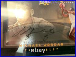 MICHAEL JORDAN Auto 2011 UPPER DECK Exquisite Collection Dimensions