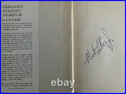 Martin Luther King Jr signed Hard Cover Book JSA LOA AUTO GRADE 8 Bold Rare E76